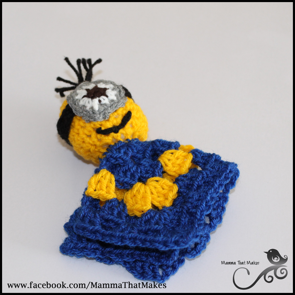 Crochet Pattern For Minion Blanket : Mamma That Makes: Minion Mini Snug Blanket - Free Crochet ...