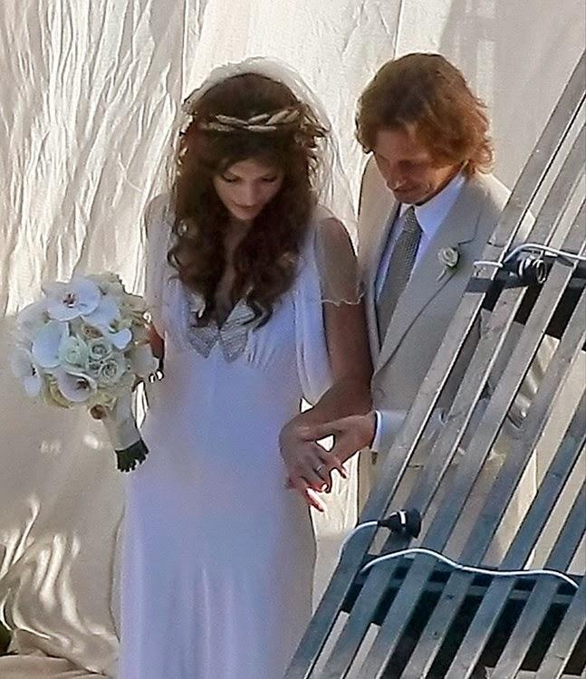 a mi manera: uno de mis vestidos de novia preferidos es el que luciÓ