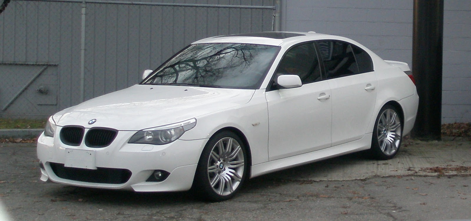 which car do i buy? 550i 6-manual or m5-auto-manual??