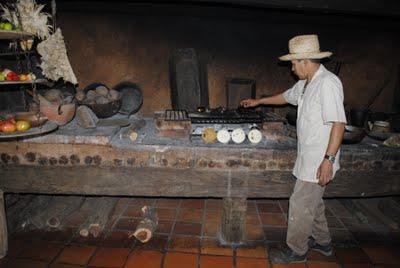 Museo pueblos de margarita el fog n de alicia - Fogones de lena ...