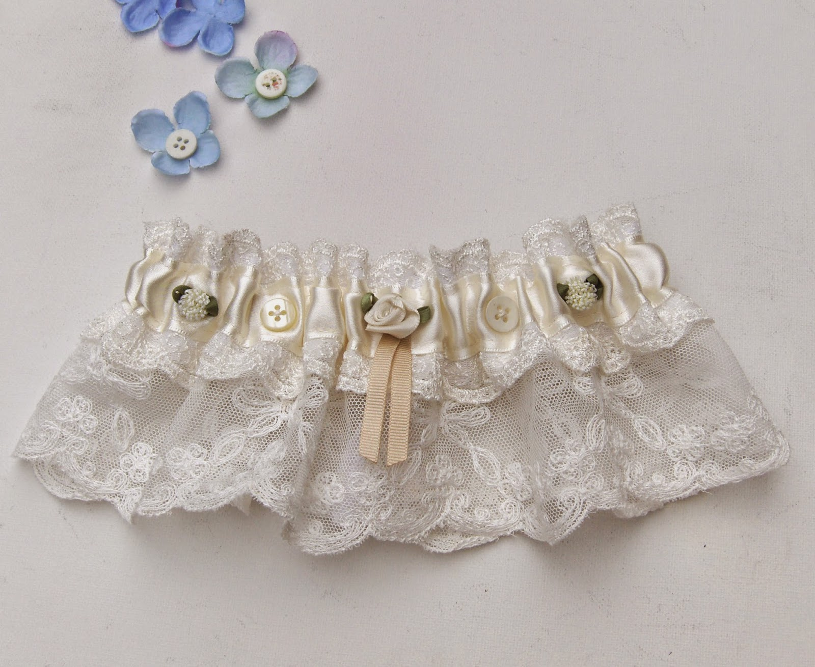 https://www.etsy.com/uk/listing/204103085/woodland-wedding-bridal-garter-ivory-uk?ref=shop_home_active_4
