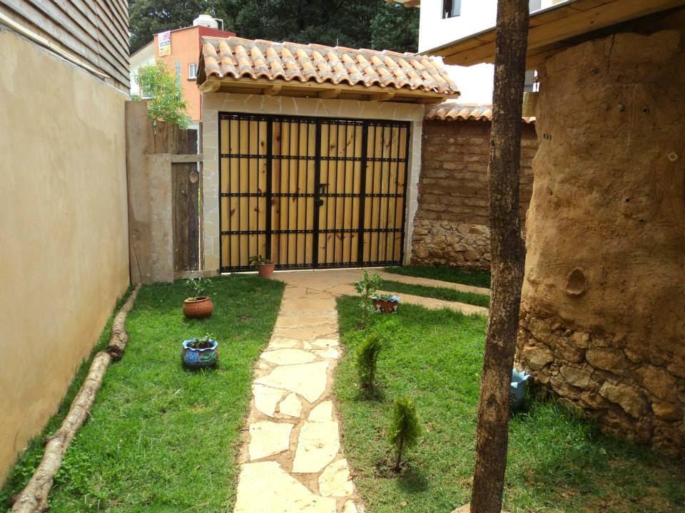 SE VENDE!, BONITA Casa de adobe, piedra y madera