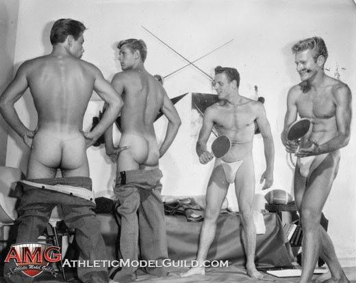 Soldados desnudos en Israel en situaciones