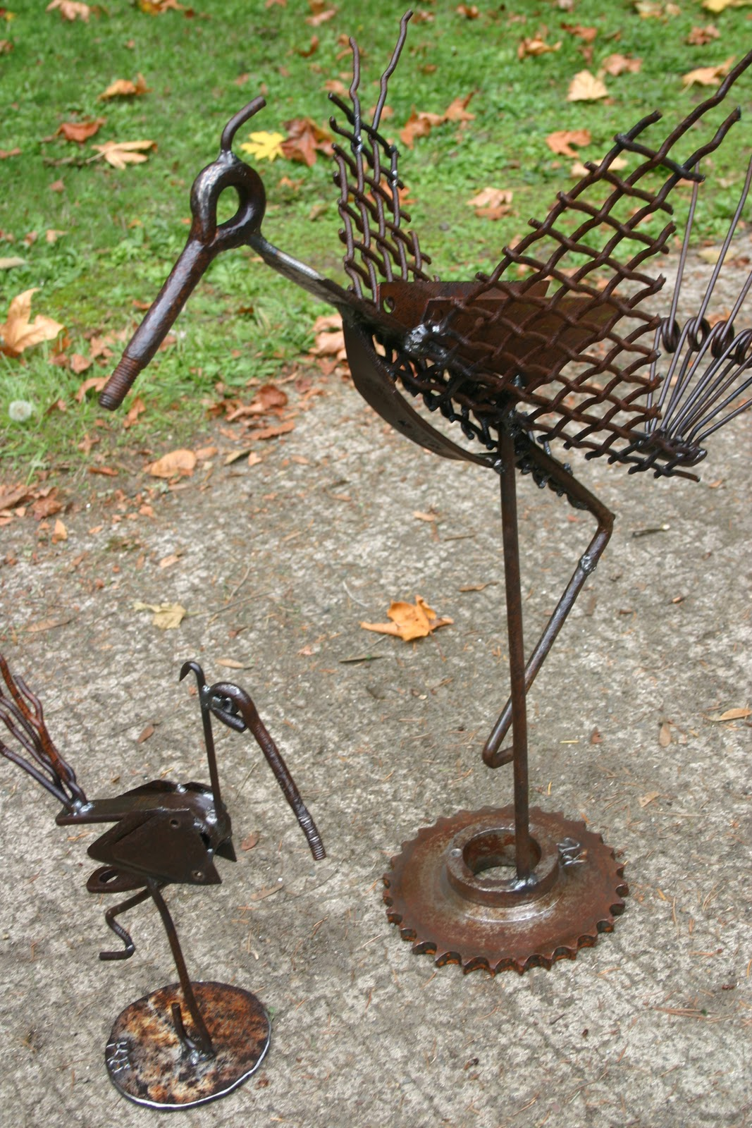 Kathi 39 s garden art rust n stuff holiday shows on - Sculpture metal jardin ...