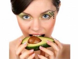 جدّدي جمالك مع خلطات مميّزة من الأفوكادو - Avocado-for-Skin-Health