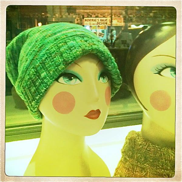 MaryBethMakesHats: Hatty Saturday - Free Sockhead Hat Pattern, La Fete De Cat...