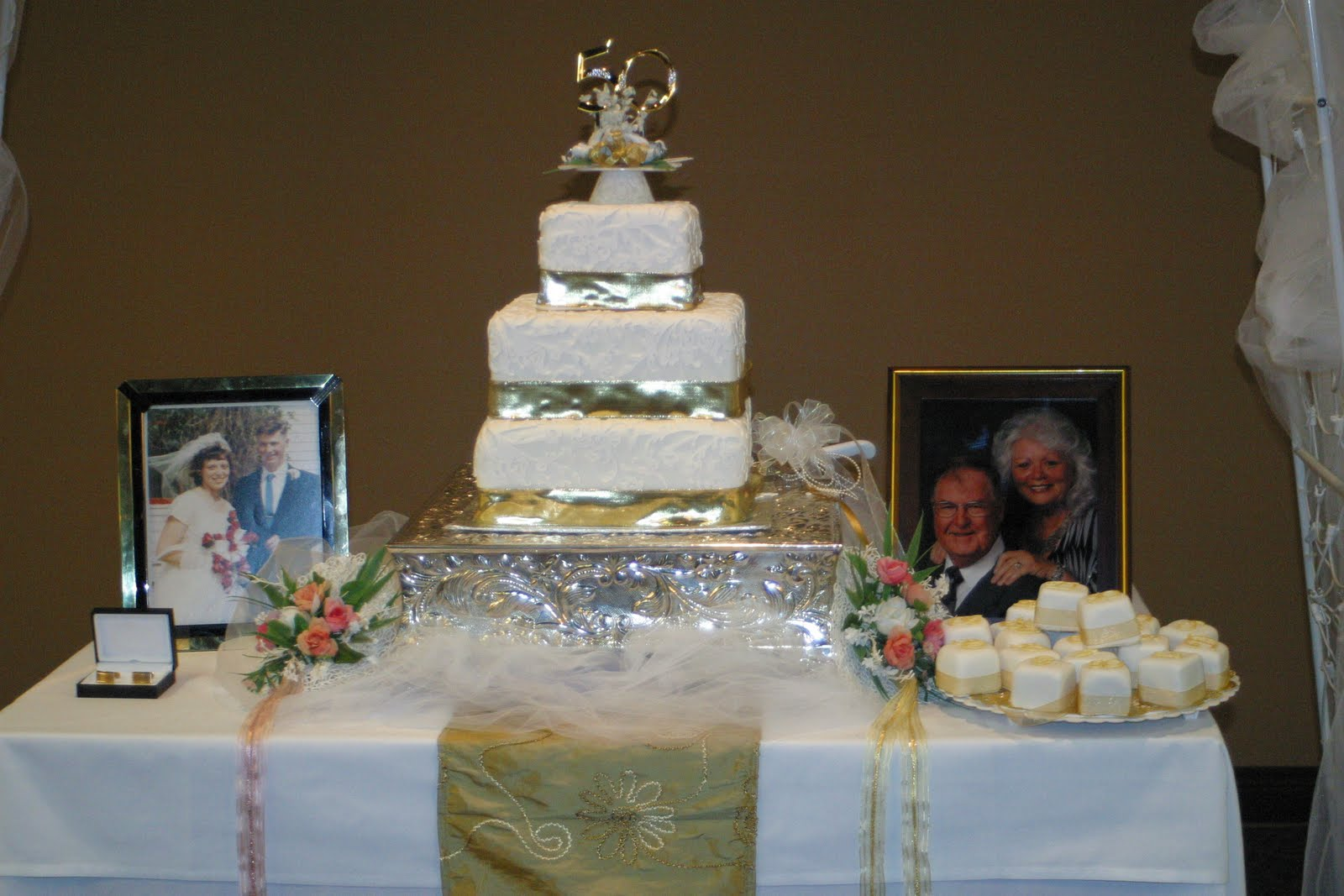 Cake Decorating Ideas For 50th Wedding Anniversary : 50th Wedding Anniversary Decorations Romantic Decoration