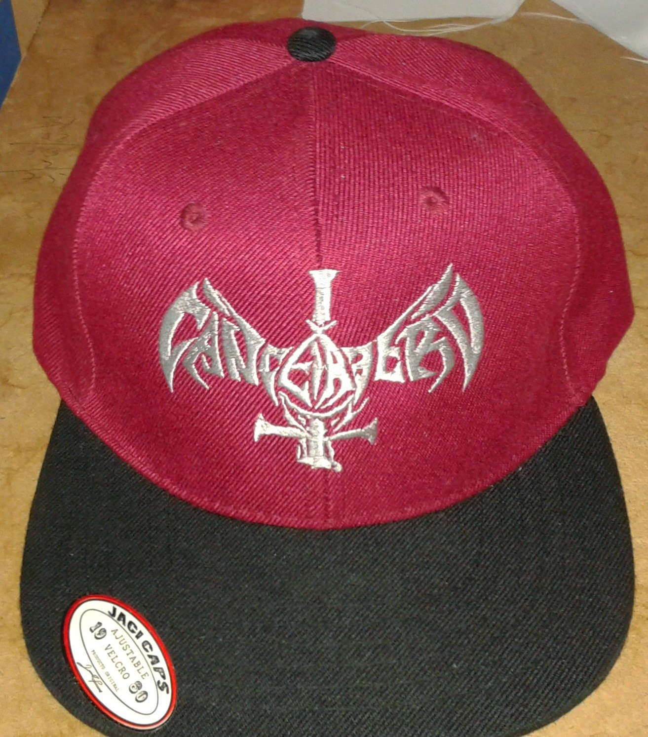 Cancerbero bordado en gorra