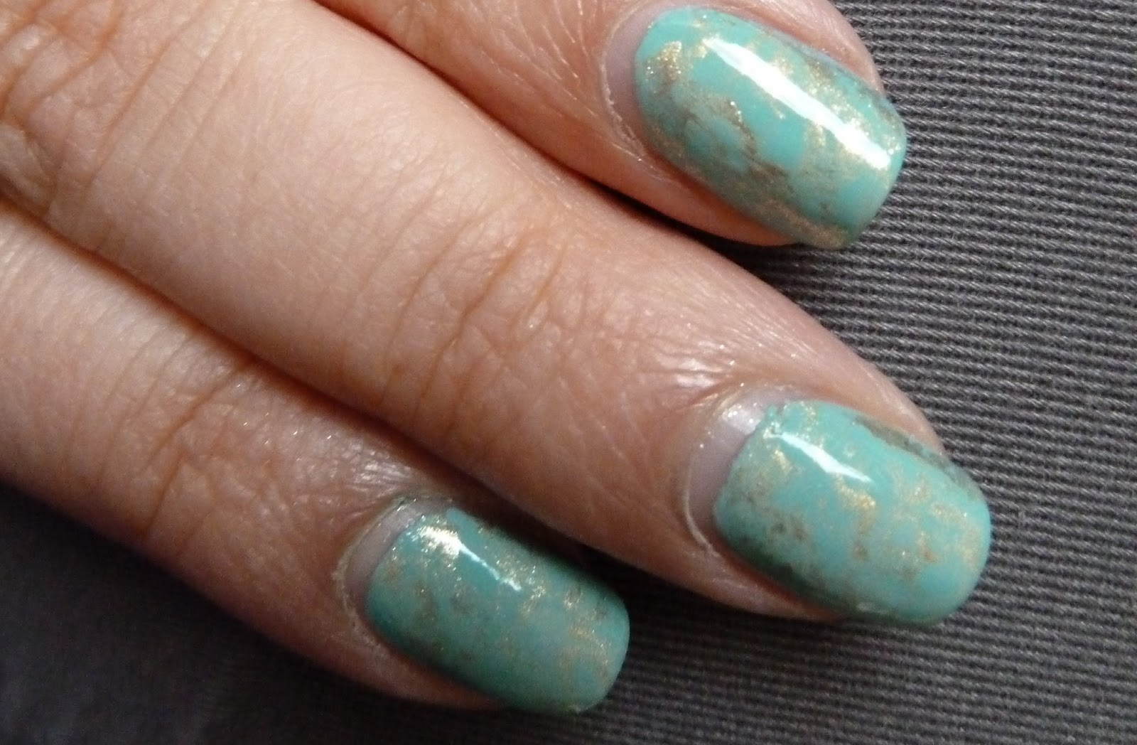 NailsByStephanie: Tutorial: Turquoise Stone Saran Wrap Nails