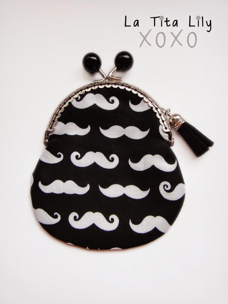 Monedero boquilla moustache negro