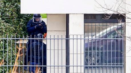 Hombre desconocido toma rehenes en una oficina postal de las afueras de París