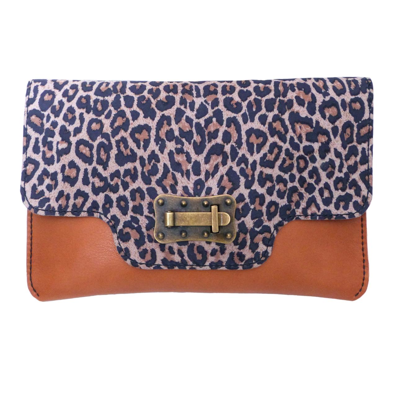 imagen del clutch mix leopardo