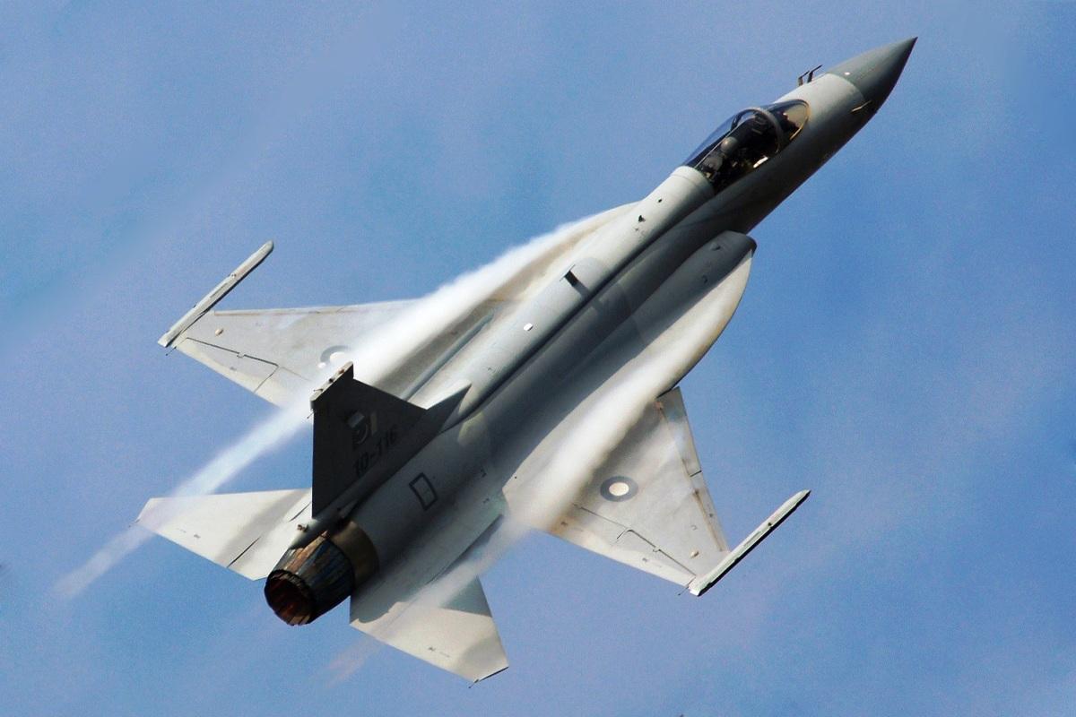 http://2.bp.blogspot.com/-NAbX3W19AXM/T6dt8b4rrSI/AAAAAAAAA-Y/0n_fN-9guwI/s1600/JF-17-Thunder-Fighter.jpg