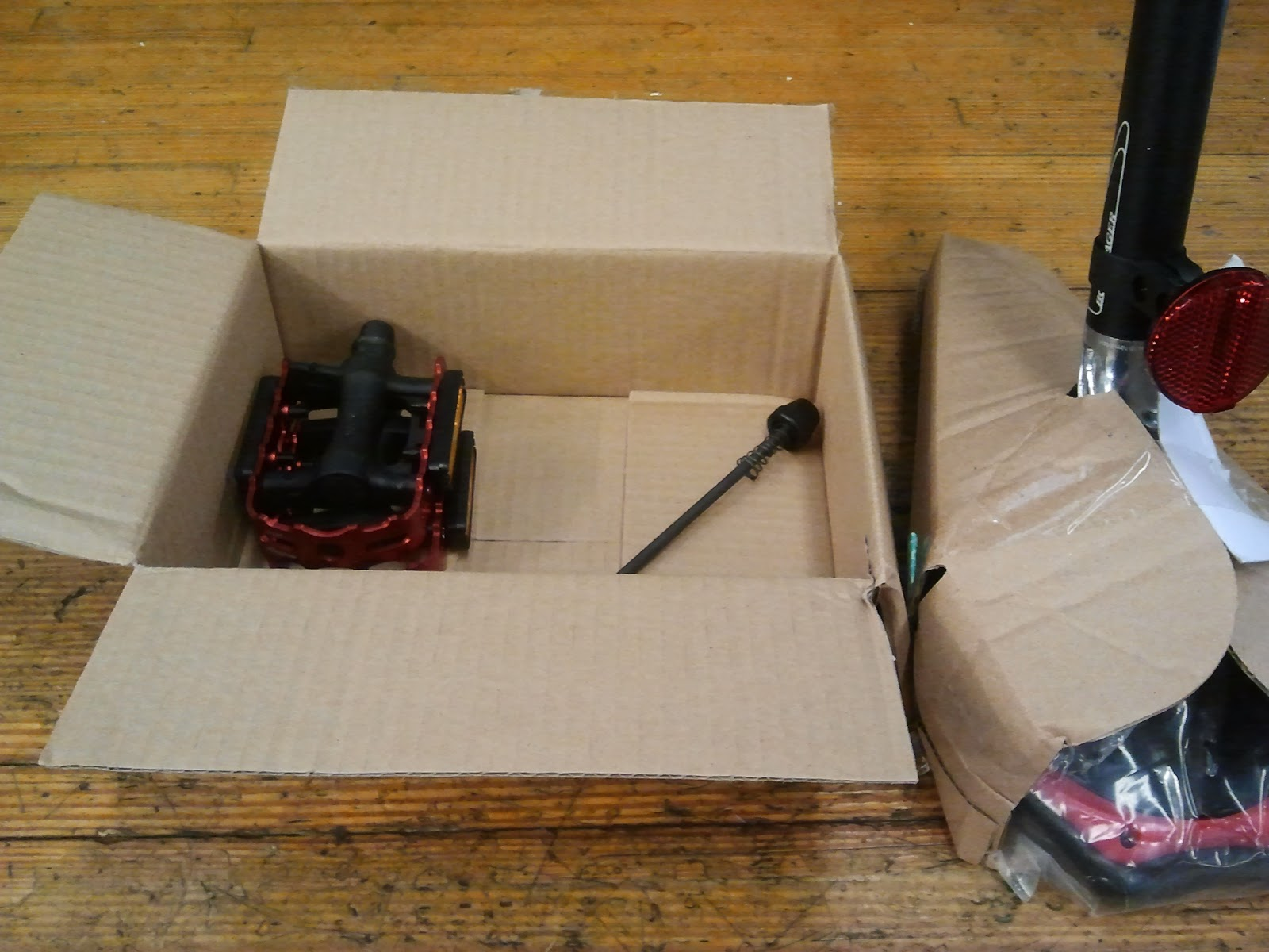 Bike Parts Unboxing Remove the bicycle from the
