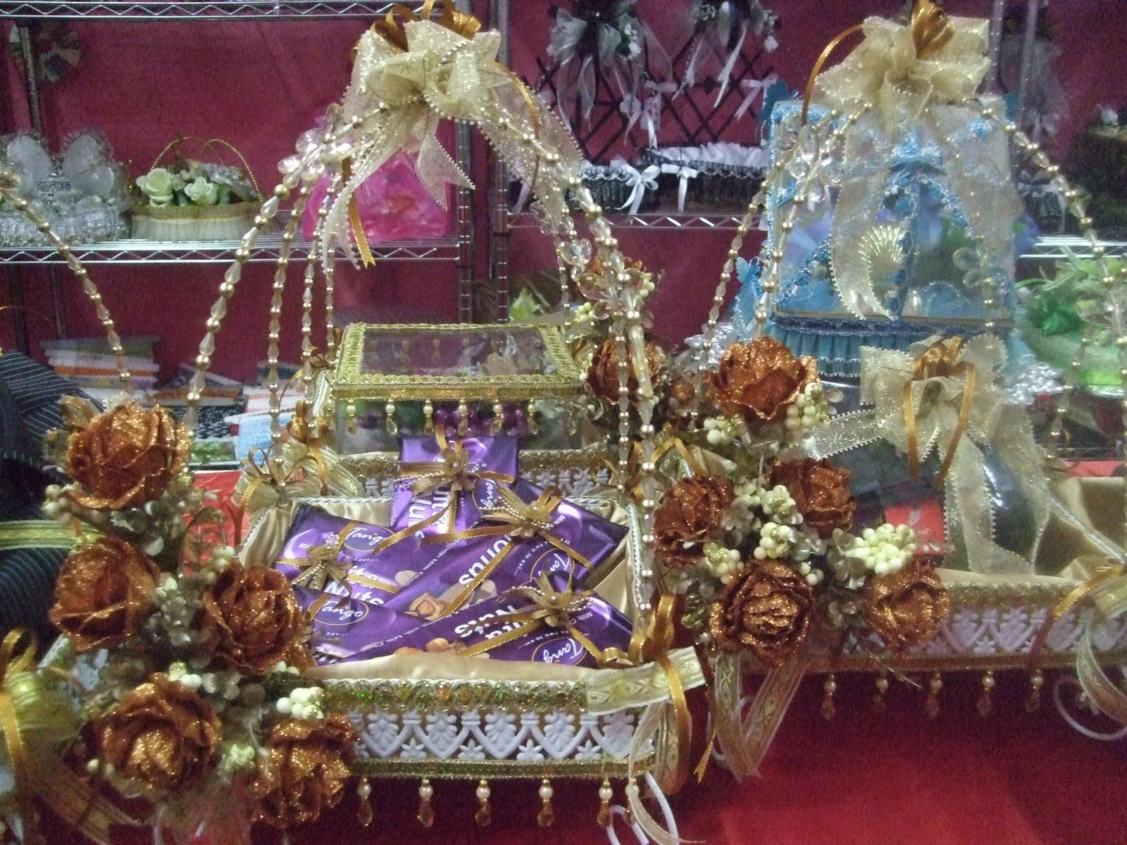 SEWA BEKAS HANTARAN TEMA WARNA GOLD | CITARASA MODEN