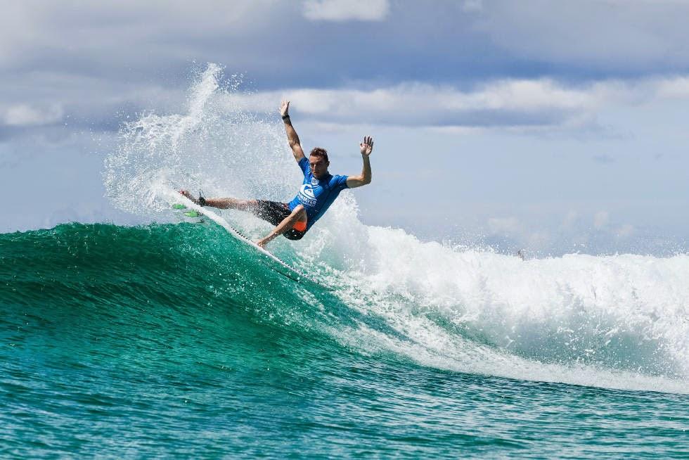 52 Quiksilver Pro Gold Coast 2015 Matt Banting Foto WSL Kelly Cestari