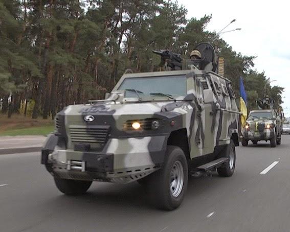В связи с обострением ситуации Харьков патрулируется частями Национальной гвардии на бронеавтомобилях