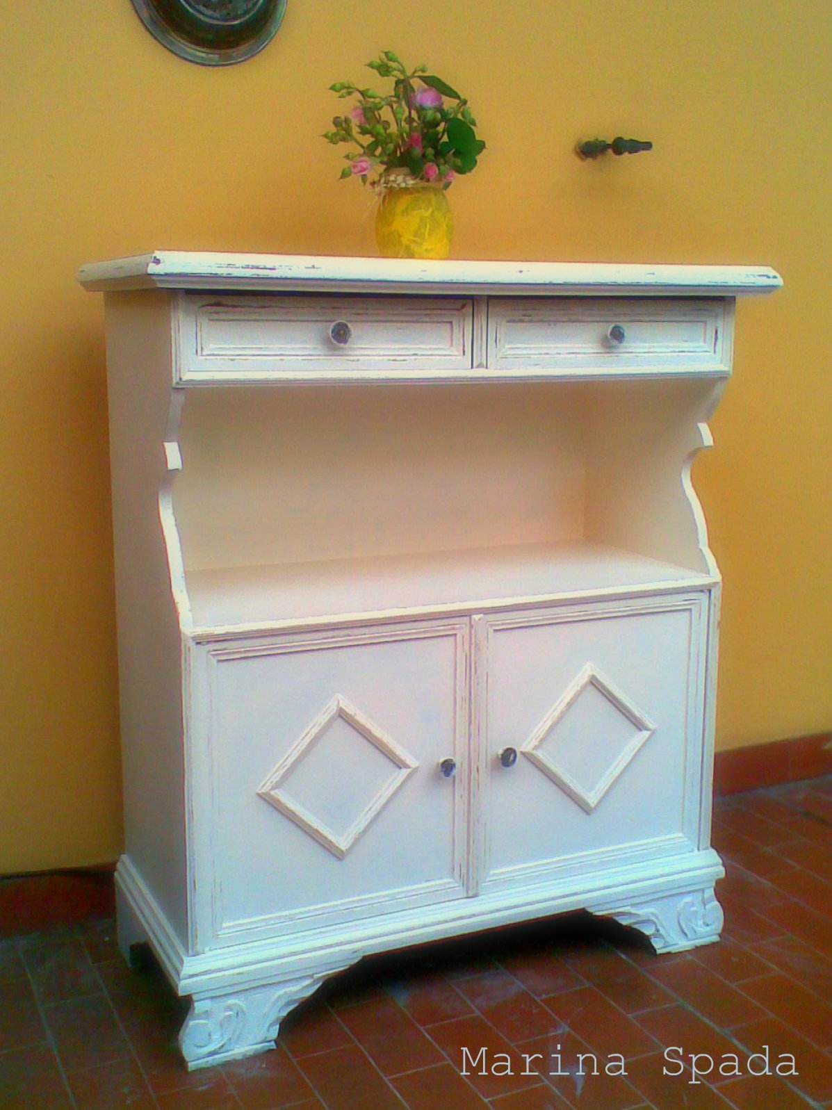 Unica come te original things mobiletto rinnovato in - Mobiletto cucina shabby ...