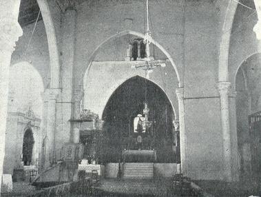 Interior de la iglesia en los años veinte del siglo XX.