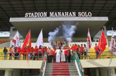 Pernikahan di Stadion Sepak Bola