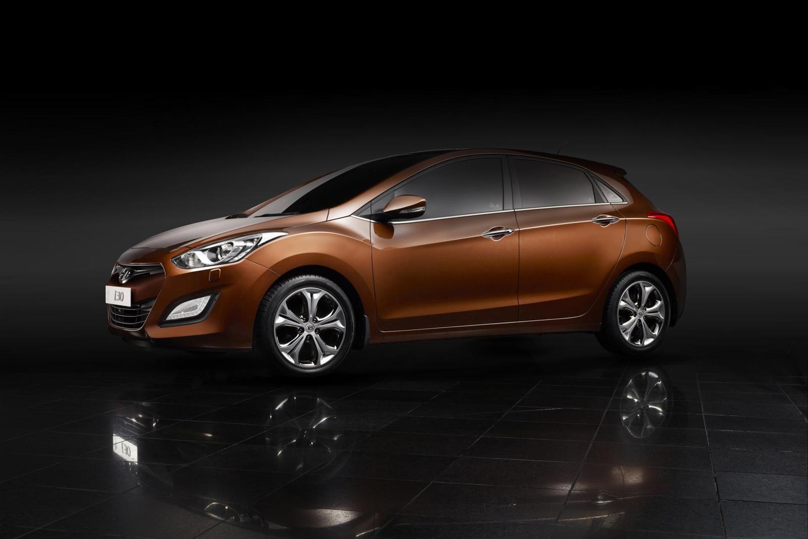 http://2.bp.blogspot.com/-NBaWcBSZ03k/TuXtCwHdnlI/AAAAAAAAEN4/CABPKzZZ9ZE/s1600/Hyundai-i30-2012_Wallpaper-00012-1600.jpg