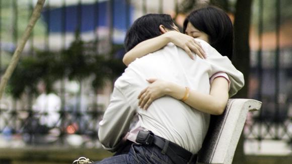 Quá dễ dãi trong tình yêu, nhiều bạn trẻ đang phải trả giá bằng sức khỏe và tương lai  (Ảnh minh họa)
