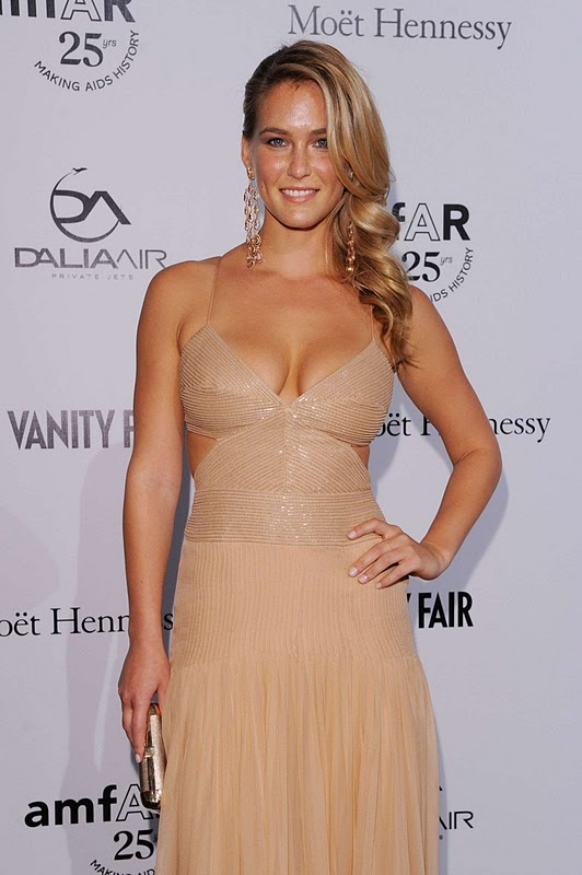 Bar Refaeli – amfAR Milano 2011 Event
