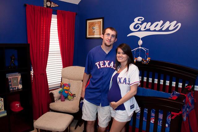 www.jarcarfam.blogspot.com - Evan's Baseball / Texas Rangers Nursery Room