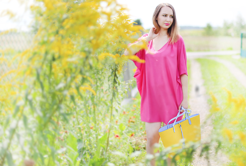http://annaonopiuk.blogspot.com/2014/08/rozowa-sukienka-worek-ombre.html#more