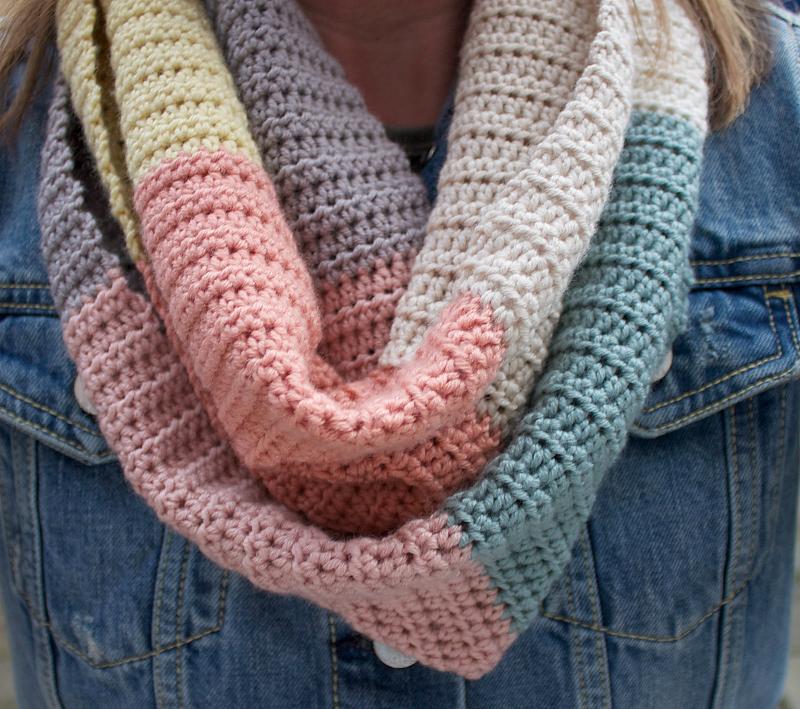 free crochet pattern striped infinity scarf