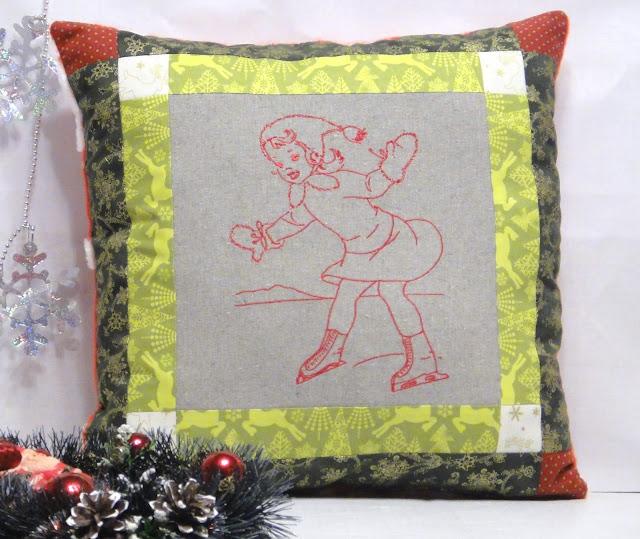 """Декоративная подушка для новогоднего интерьера """"Девочка на коньках"""" - новогодний подарок девочке-подростку. Фигурное катание, винтажный подарок"""