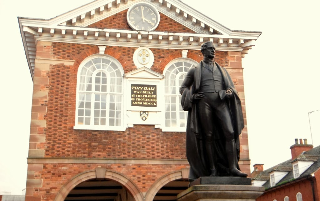 Statue of Sir Robert Peel, in Tamworth