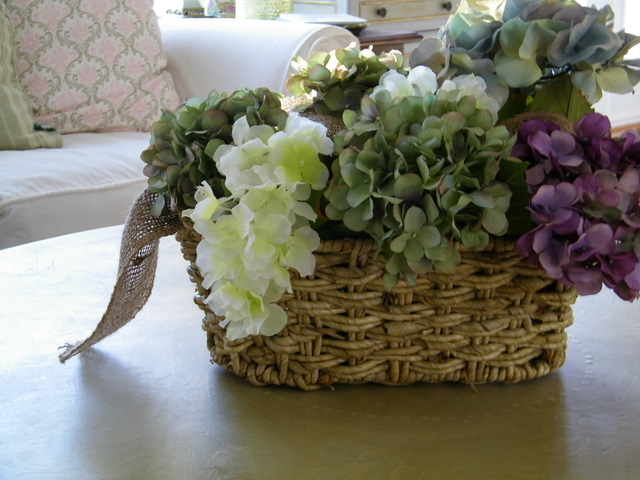Maison decor burlap ribbon in floral arrangements
