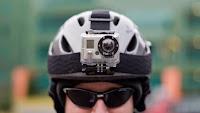 Στα διάφορα σπορ δράσης και ιδίως στα extreme sports φορούν στα κράνη GoPro κάμερες