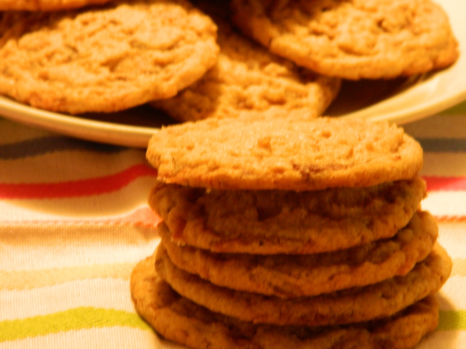 The Wednesday Baker: PEANUT BUTER AND CHOCOLATE CHUNK COOKIES