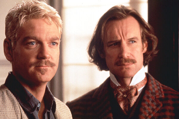 false faces in hamlet The ghost of hamlet's father is the spirit of single-mindedly conquering the frontier: hamlet's father was busy conquering norway and now demands revenge reed's father is similarly single minded and expects reed to be ruthless.