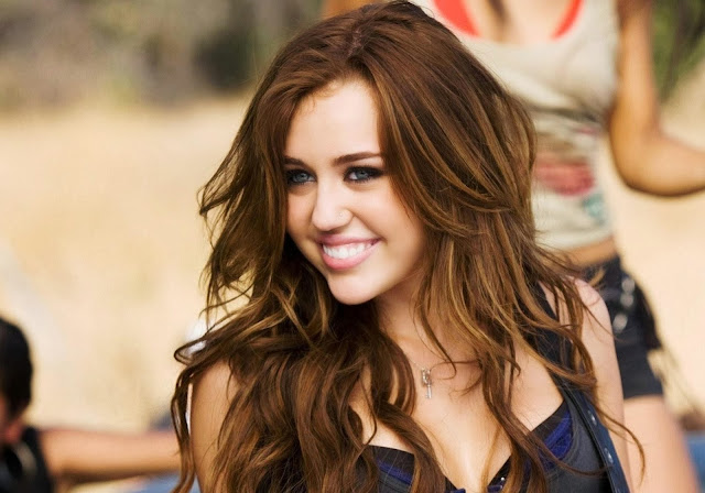 Miley Cyrus Wallpapers Free Download