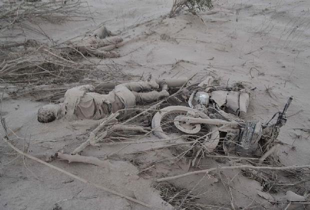 ALERTA ROJA EN INDONESIA POR ERUPCION DEL VOLCAN SINABUNG, 02 DE FEBRERO 2014