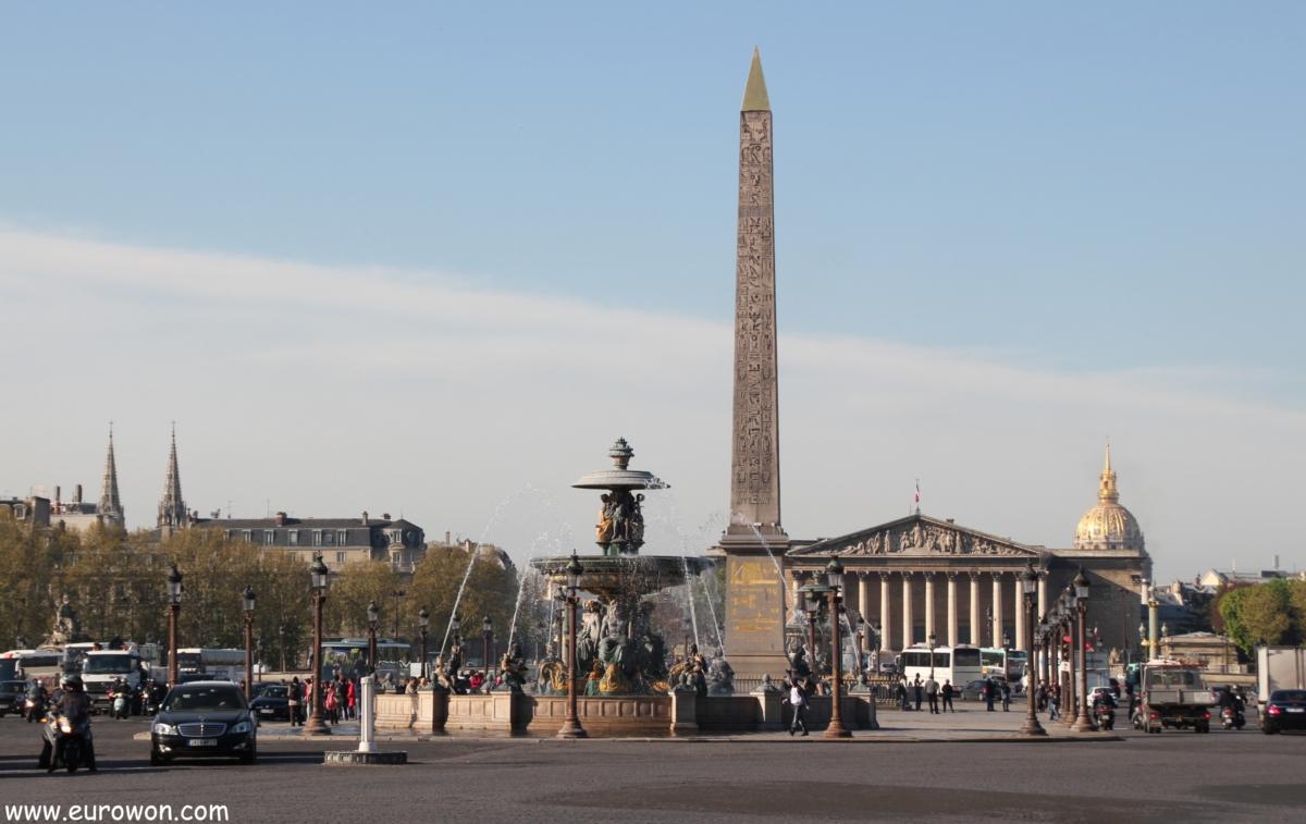 Obelisco de Luxor en la plaza de la Concordia