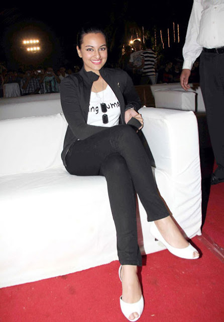 Sonakshi Sinha Looks Hot N Bold In Being Human T Shirt Celebrity Pictures