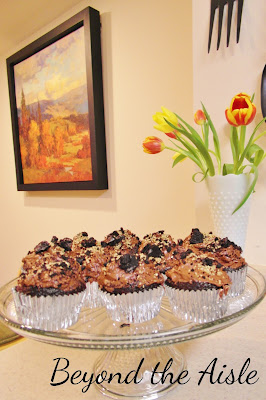"""Gold Rush"" inspired Pay Dirt Cupcakes - Beyond the Aisle"