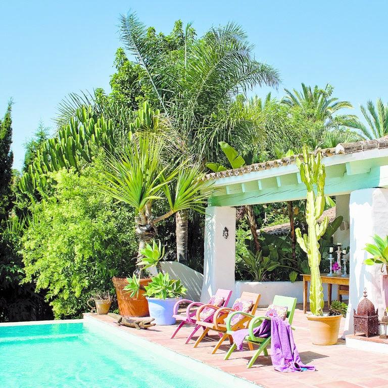 Casas minimalistas y modernas terrazas con piscina for Terrazas de piscinas