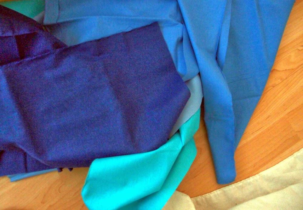 пачуърк платове в синьо в процес на трансформация към пачуърк