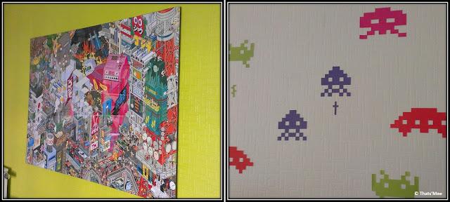 tableau jeu vidéo vintage années 80, stickers space invader pixels couleurs