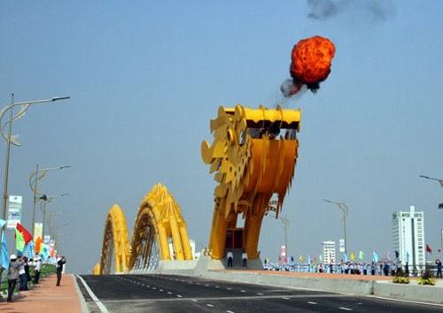 Hàng trăm vết nứt trên cầu Rồng Đà Nẵng