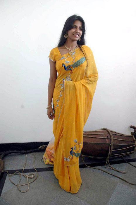 dhanshika actress pics