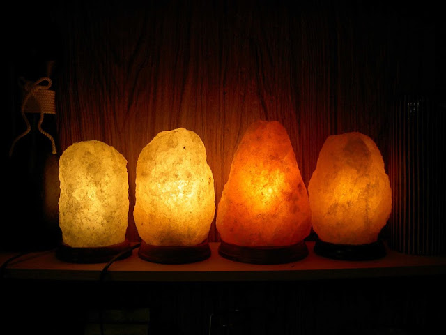 Colored Salt Lamp Bulbs : Salt lamps inside - suggestions, colors, styles, installation ~ Interior-decoratinons 1