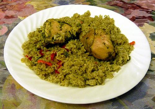 Lu me en la cocina arroz con pollo peruano for Como se cocina el arroz
