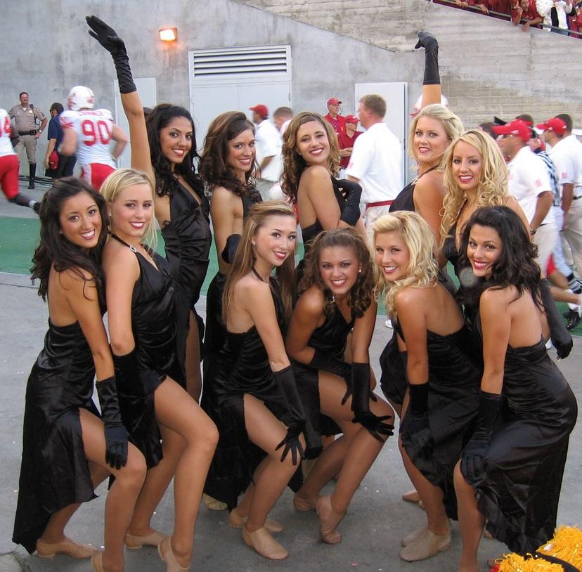blonde cheerleaders group pictures