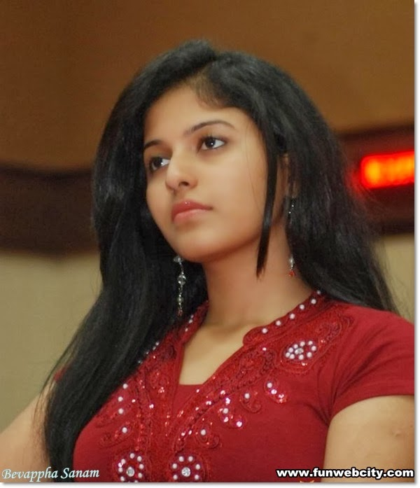 Hottest and sexiest pictures of Indian actres ANJALI SIZZLING-www.cute-babesweb.blogspot.com